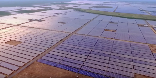 Kamuthi solar plant in Tamil Nadu.png