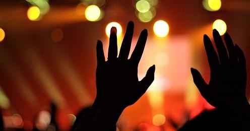 worship hands (2)